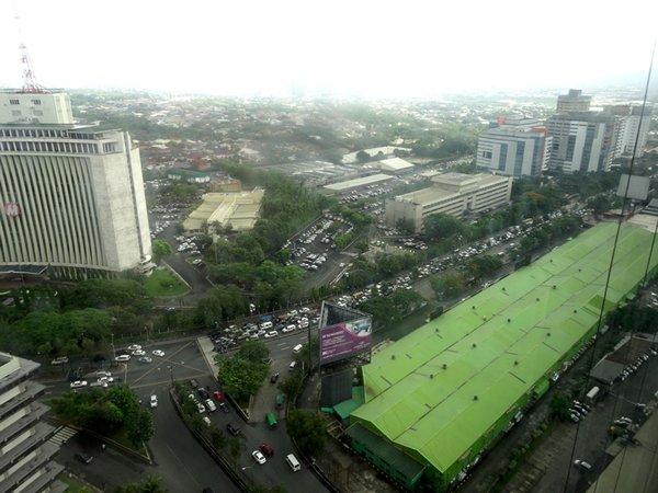圖: 馬尼拉交通擠塞,令市民和商人頭痛不已
