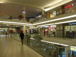 相片:香港仔中心是温哥华多家亚洲主题商场之一。