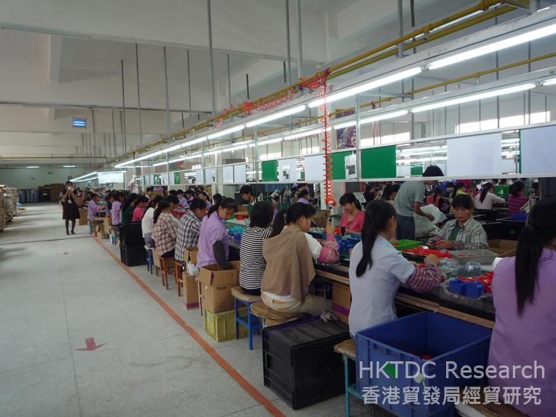 相片:北流縣的玩具生產線