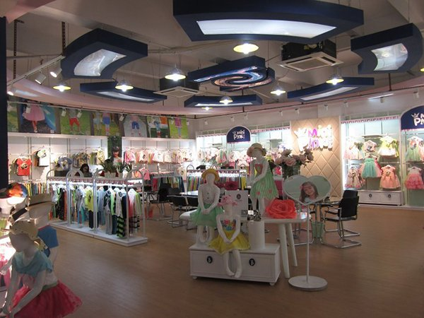Photo: Typical layout of a MiniPink store.