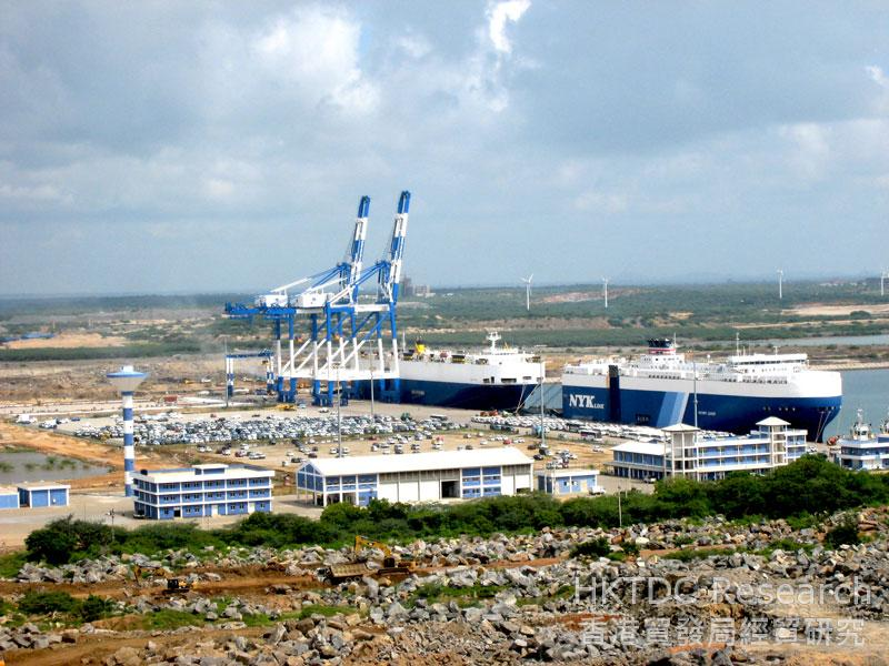 Photo: Automobile transshipment is currently the main business of Hambantota port.