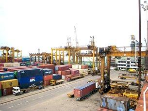 图: 科伦坡港日益繁忙。