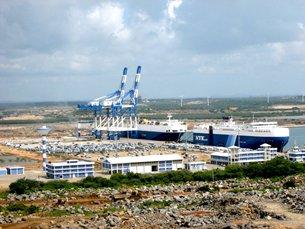 Photo: Automobile transshipment is currently the main business of Hambantota port.