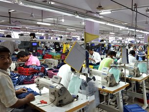 Photo: Male workers much more than females