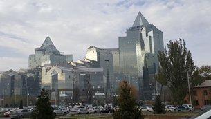 相片;阿拉木图金融区