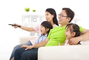 相片:中國消費者目前花在數碼及傳統媒體的時間相若。(二)