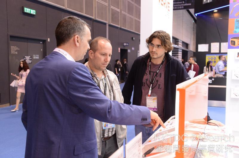 Photo: Buyers and exhibitors at the Hong Kong Electronics Fair 2016.