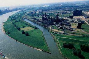 Photo: An aerial view of Logport I in Duisburg in 1999