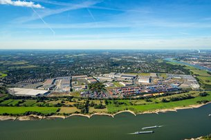 Photo: An aerial view of Logport I in Duisburg in 2015