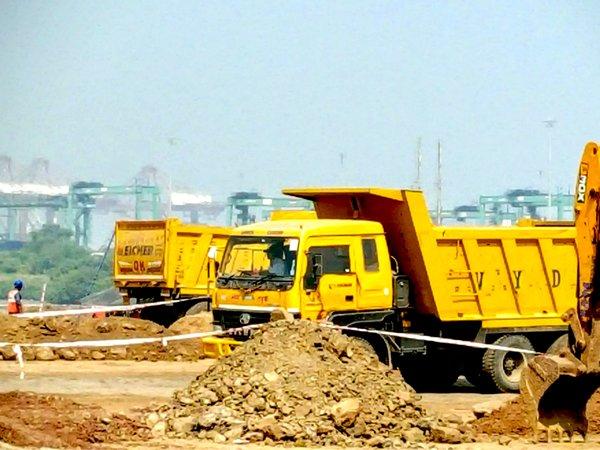 图: 贾瓦哈拉尔尼赫鲁港正进行大型填海扩建工程,提升处理能力(2)