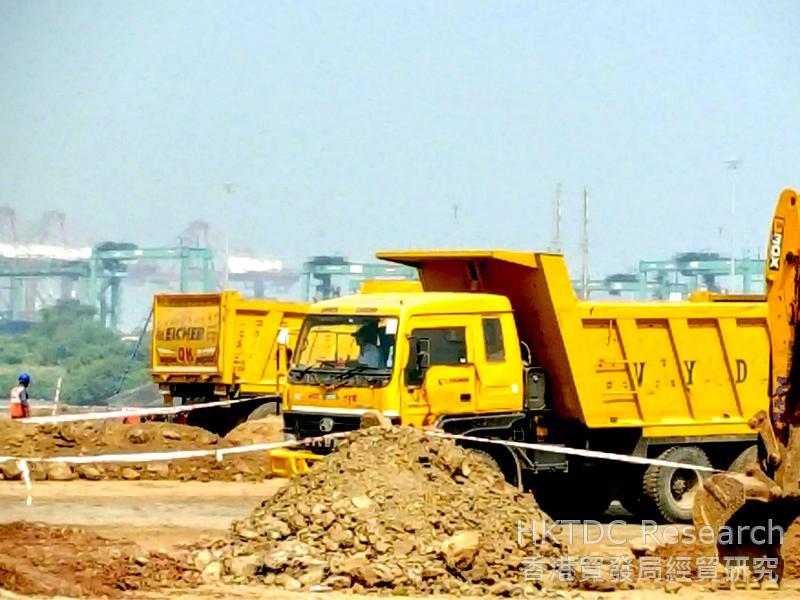圖: 賈瓦哈拉爾尼赫魯港正進行大型填海擴建工程,提升處理能力(2)