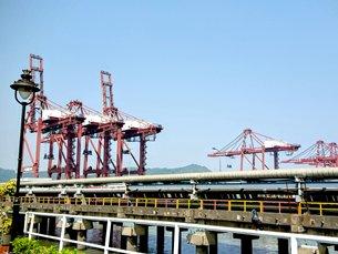 图: 贾瓦哈拉尔尼赫鲁港正进行大型填海扩建工程,提升处理能力(1)