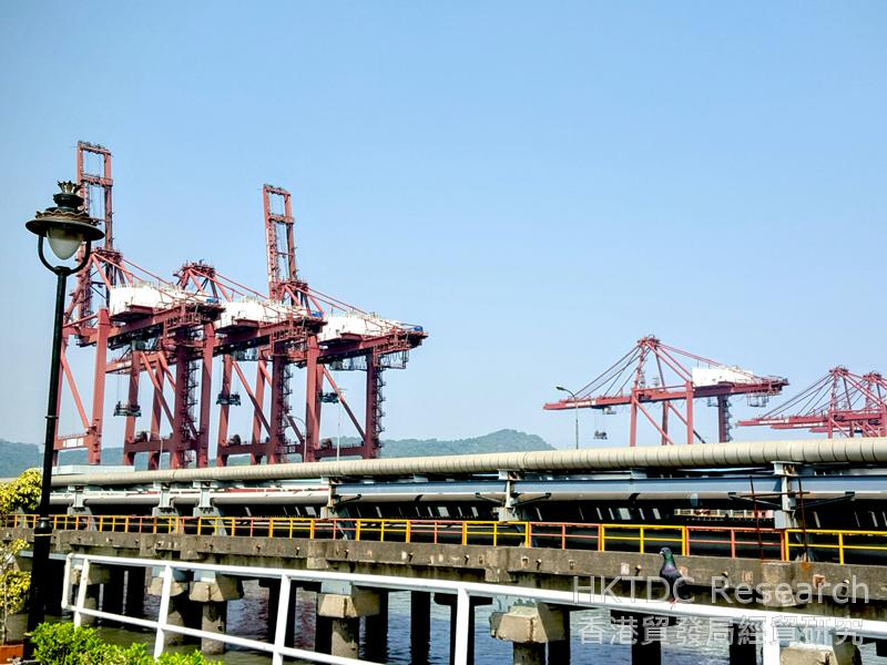 圖: 賈瓦哈拉爾尼赫魯港正進行大型填海擴建工程,提升處理能力(1)