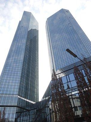 相片:德意志银行总部位于法兰克福