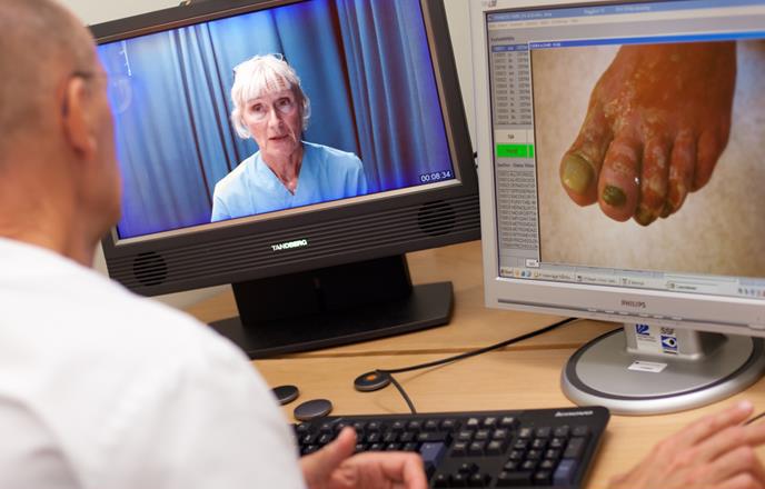 相片:西博滕省的遙距看診服務及電子化醫療系統