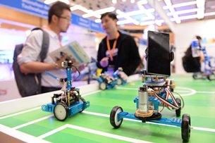 相片:買家及參展商齊集香港秋季電子產品展。(2)