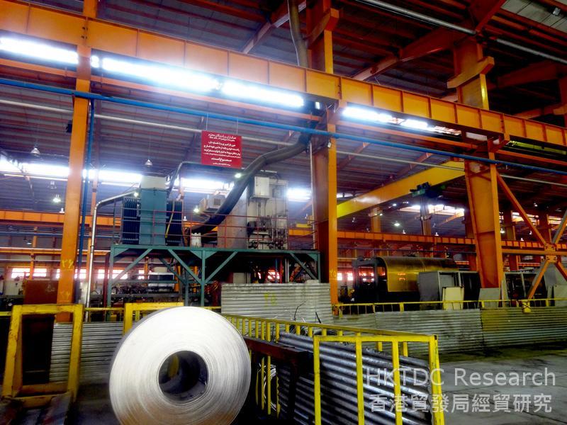 图: 伊斯法罕一家钢厂有意与外国直接投资者合作,以引进西方技术。