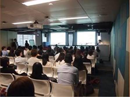 相片:亚太网络资讯举办多个营销讲座,吸引了逾千名来自不同行业的人士参加。