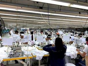 圖: 克拉克自由港區一間成衣廠內部。