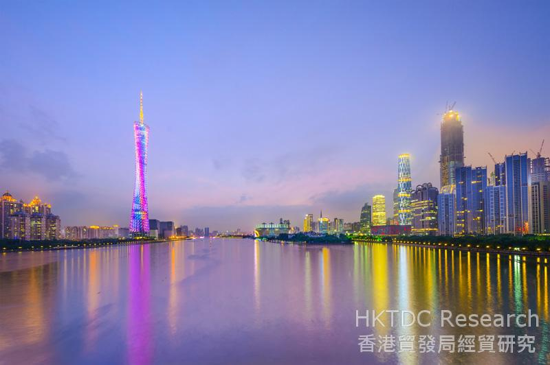 Photo: Guangdong and Hong Kong should strengthen co-operation in pursuing industrial upgrading (1).