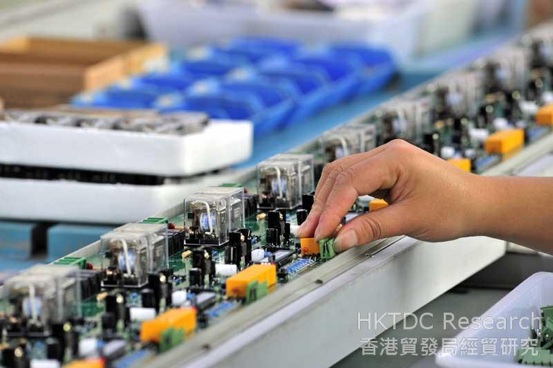 Photo: Asia's electronics supply chain is growing rapidly (1).