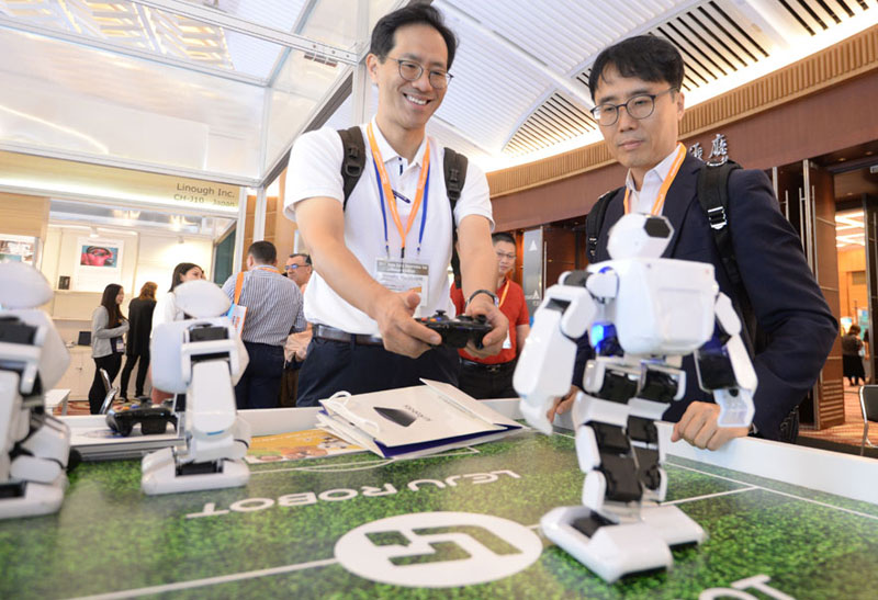 Photo: Ready for a Year of Entertainment Electronics: The Autumn 2017 Hong Kong Electronics Fair Sur
