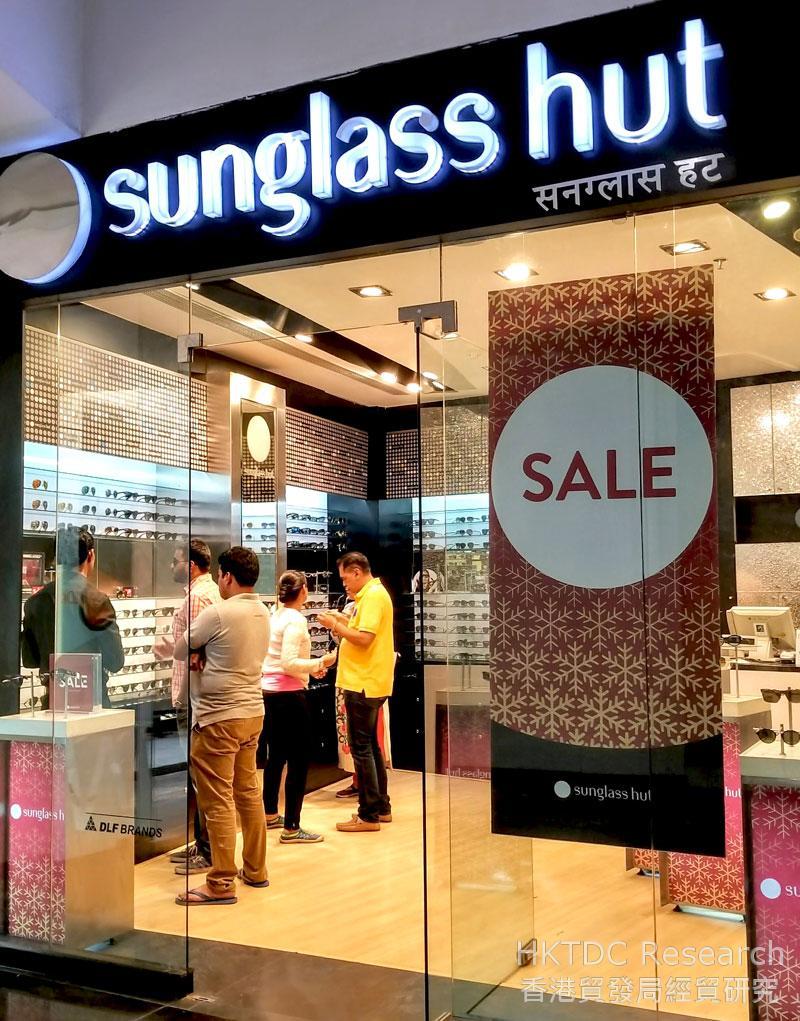 相片: 专门销售太阳眼镜的眼镜零售商。