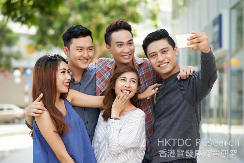 相片:由于热衷于社交媒体分享自己的日常生活 ,男女消费者都比以往更重视「颜值」。