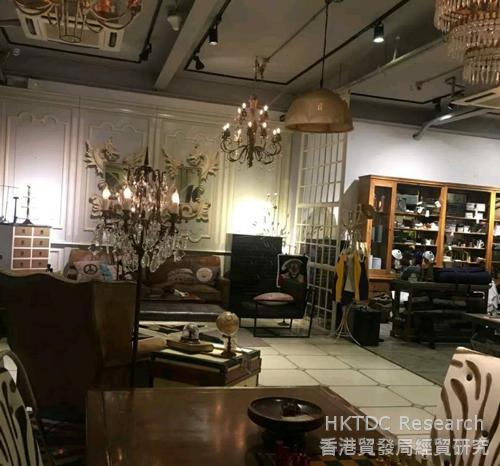 Photo: A café with a study theme.