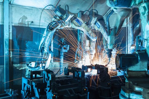 Photo: Many enterprises seek to move towards smart manufacturing.