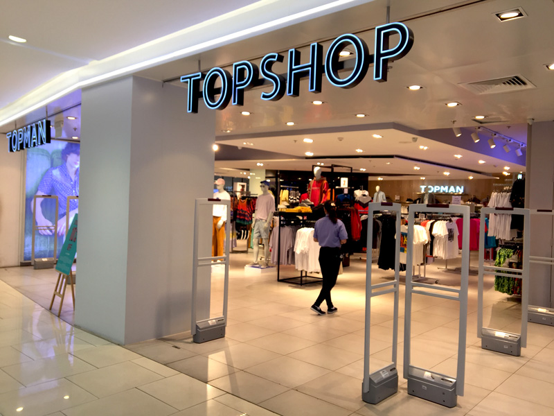 Photo: TOPSHOP entered Vietnam in 2013.