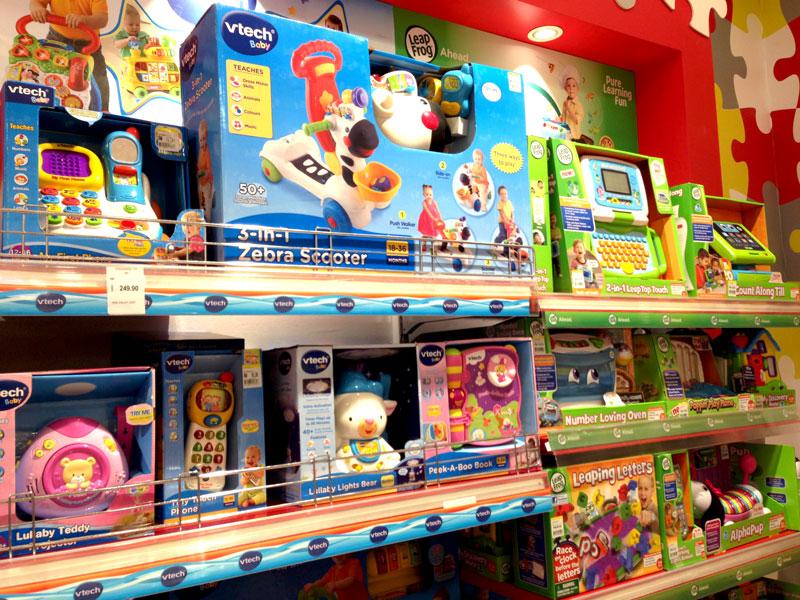 相片: 马来西亚的玩具专门店及百货公司都有销售伟易达的产品。(2)