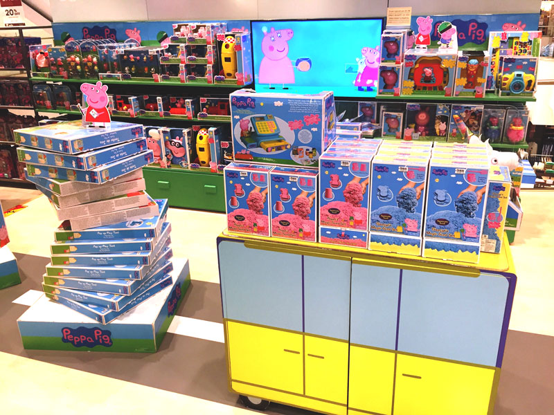 相片: 曼谷百货公司展示的授权玩具。(1)