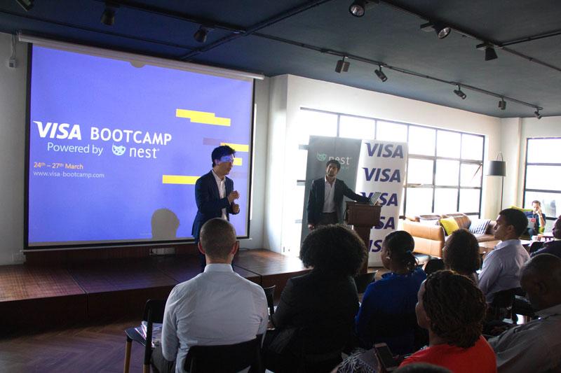 相片: Nest与Visa合办培训班。