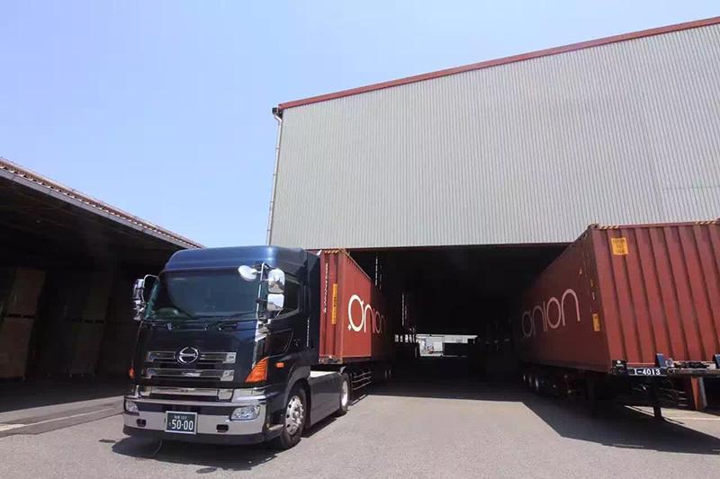 Photo: Warehouse in Japan. (Photo courtesy of O'mall)