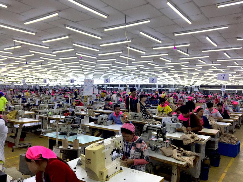 相片: 金边经济特区内一家制衣厂。