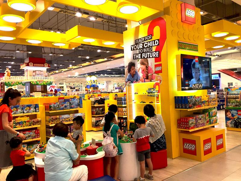 相片: 乐高在曼谷百货公司内的商店。