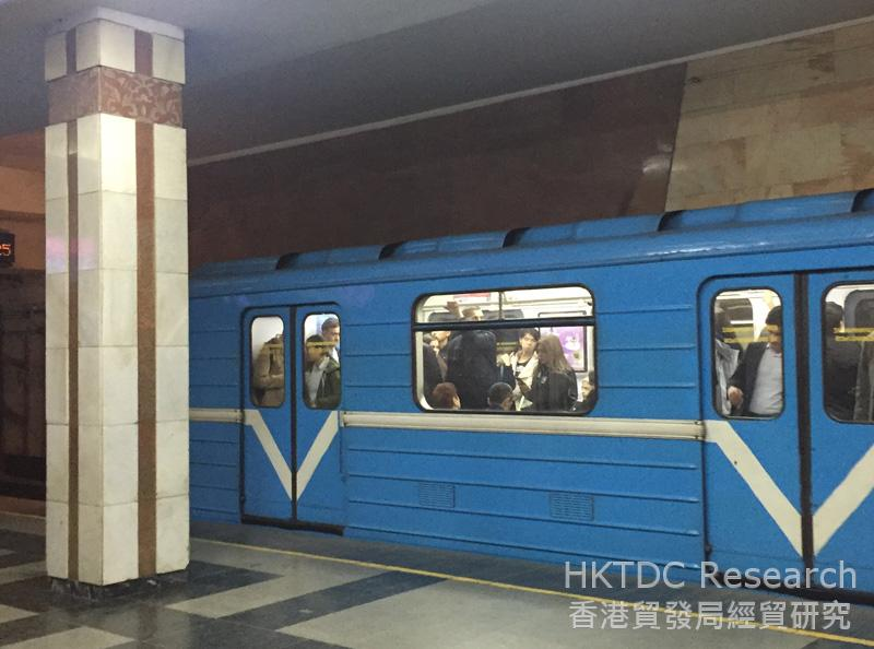 Photo: The Tashkent Metro, which began operating in 1977, is a well-maintained rapid transit system.