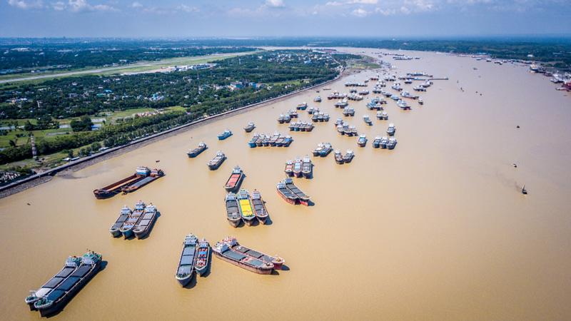 相片: 吉大港。