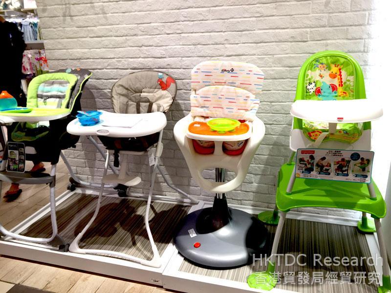 相片: 外国品牌的婴儿高脚椅。