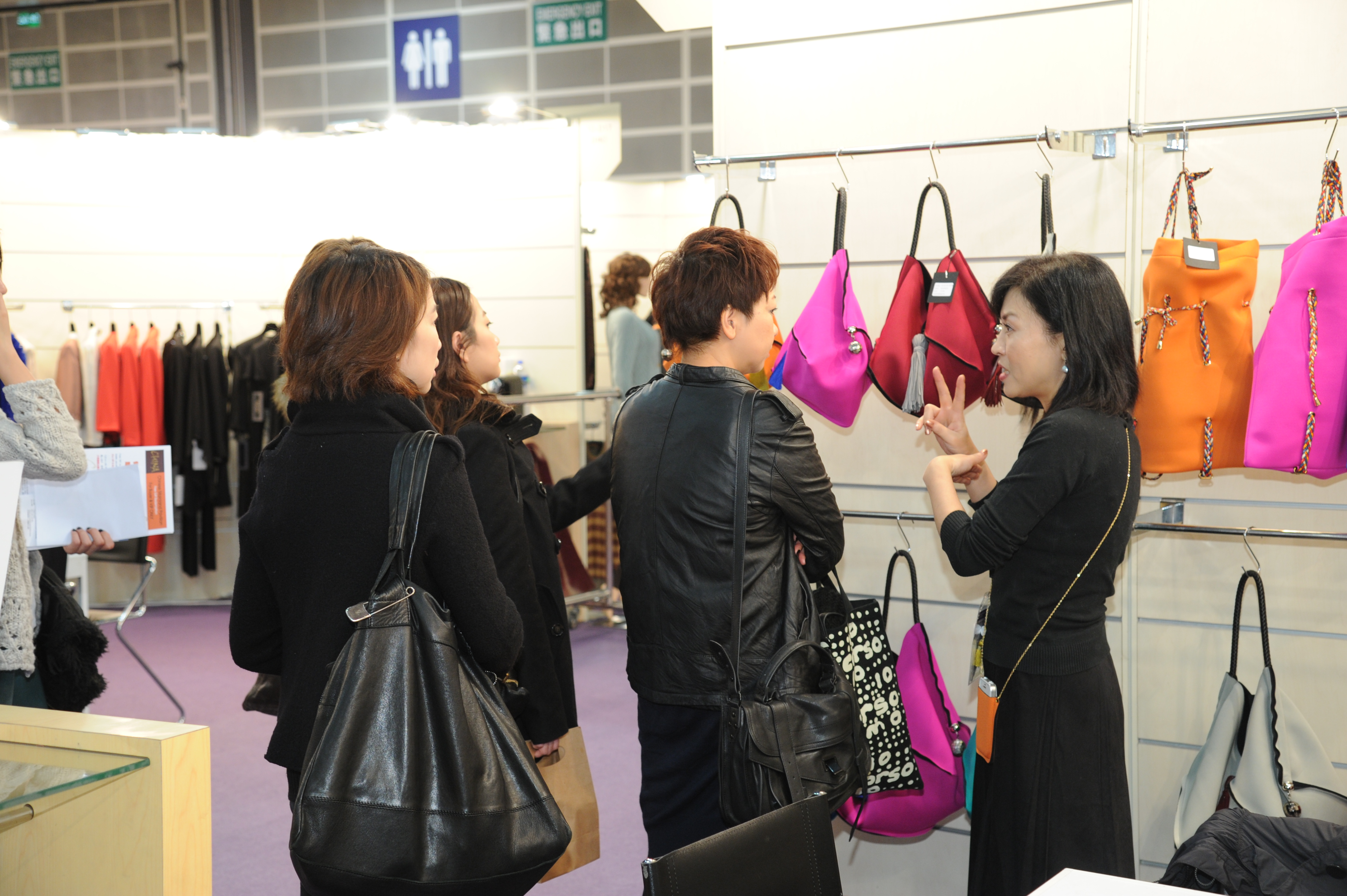Hong kong fashion week world boutique open for World boutique